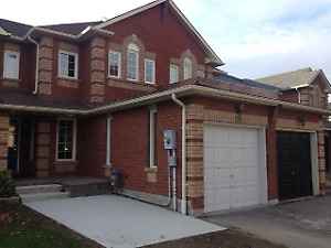 3 bedrooms Townhouse with 2 rooms Finish Basement - Whitby