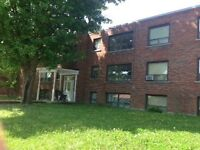 Orillia, Small but private 1 bedroom unit, All about price