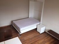 AMAZING~fully furnished~SEPARATE kitchen~MOMENT from the station~studio flat available now/long let