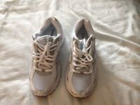 Saucony womens trainers size 5