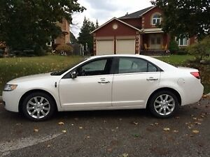 2010 Lincoln MKZ Sedan - Low mileage
