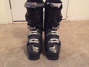 Ski boots size 8 mens  gray