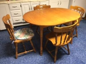 TABLE AND 4 CHAIRS  LIKE NEW $150.00