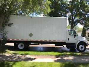 26 ft cube van truck for sale - CLASS 5 VEHICLE - Air ride - !!!