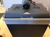 ELECTRIC COOL BOX - Mobicool 25litre cool box with Mobicool Y50 mains to 12V adaptor.