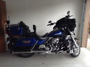 IMMACULATE!!! LOW KM'S 2010 HARLEY ULTRA LIMITED