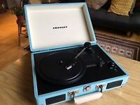 CROSLEY Cruiser Portable Turntable three speed, built in stereo speakers - Turquoise