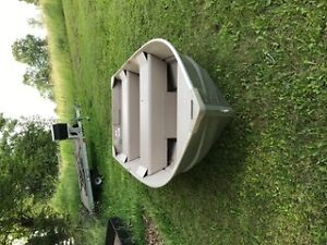Polar Kraft 2013 12.6 boat with a 9.9 Johnson outboard motor