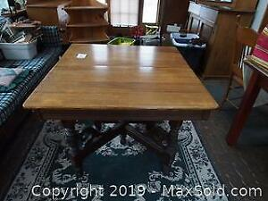 Antique Oak Extension Dining Table With 4 Extra Leaves