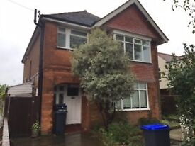 Worthing -Spacious two bedroomed first floor flat with garden, kitchen/breakfast room & large lounge