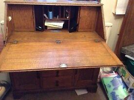 Desk/writing Bureau