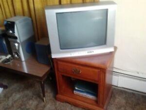 tv and end table