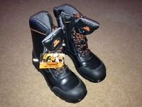 'Endurance' safety working boots