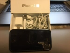 16GB iPhone 4S  Rogers - Two in mint condition $110ea London Ontario image 4