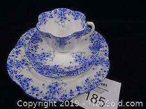 Shelly Dainty Blue Place setting