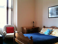 2 Bedroom Flat To Let On Dowanhill Street Near Dumbarton Road and Byres Road