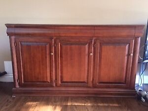 Dining Room Buffet - in excellent condition!