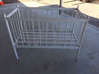 WHITE FOLD AWAY COT Pine Mountain Ipswich City Preview