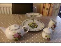 Waterside Fine China 4 Piece Tea Set