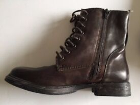 Clarks women brown lace up ankle boots with the zip, Real Leather, Size 5, in a very good condition