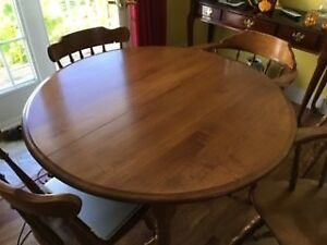 """Roxton 42"""" solid maple table. 4 side chairs and 2 arm chairs"""