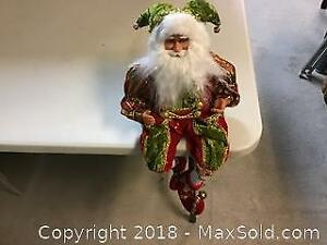 Sitting Santa Claus figure