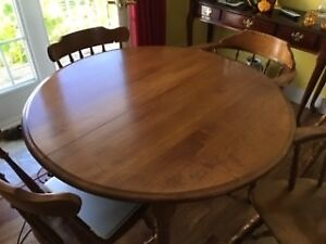 Solid Maple Dinning table plus 6 chairs