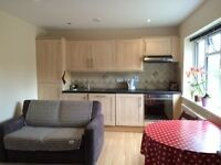 £ 915 per month, one bedroom flat with private garden