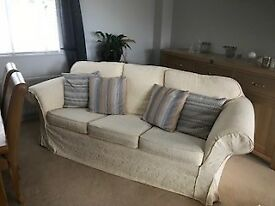 MATCHING SOFAS. 1 X 3 SEATER & 1 X 2 SEATER