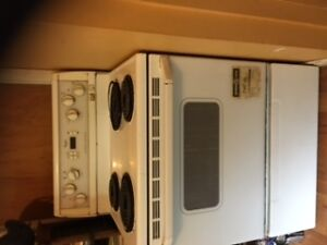 Oven for Sale - Excellent Condition