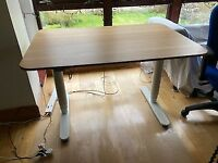 IKEA Bekant Sit/Stand desk - Electric