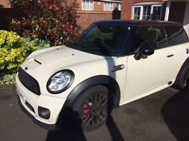 Beautiful JCW mini in immaculate condition, very well looked after