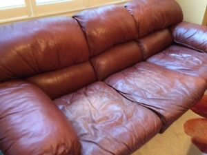 Free - Comfy Full Size Brown Leather Couch