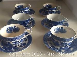 Vintage Blue Willow Cups And Saucers