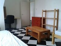 Place to Share a Twin Room in BRIXTON. Only £100 Deposit. Private Landlord. No agency Fees.