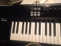 KOMPLETE KONTROL S61 keyboard