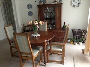 Table, chairs and hutch