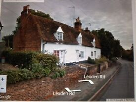Cottage to let, 2 beds, large garden backing onto Lexden Springs parklands. Ready 9th May. £700 pcm