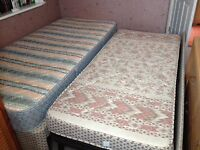 Single bed with 2nd bed under.