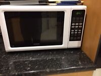 White Kenwood 900 Watt Microwave Oven and Grill.