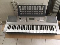 Yamaha Keyboard - E313