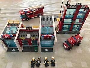 Lego 7208 Caserne de pompiers