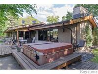 3BD BNGLW WITH SPRAWLING RIVER VIEWS / 3ACRES W/TENNIS CRT