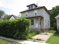 SOLID 2 STY HOME W/4 BDRMS, 2 BATHS, CLOSE TO UNIVERSITY