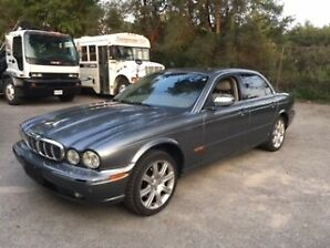 2004 Jaguar XJ8 Vanden Plas Sedan