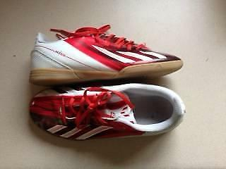 Soccer boots Messi (indoor) – Size US 4 UK 3.5