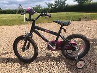Girls starter bike with stabilisers