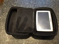 Tom Tom XL Sat Nav with Case, power leads, Window Mount & Manual