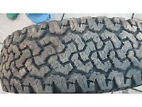 Four Winter Tyres 17 in and 1 tyre with alloy