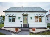 *** OPEN HOUSE TODAY FROM 1:00 - 3:00 PM *** Great Location!